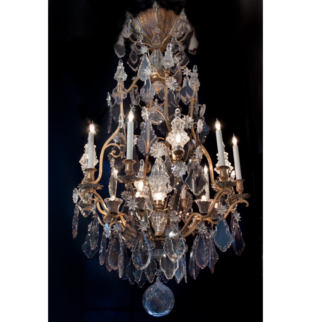 Baccarat Crystal & Dore Bronze Chandelier – 21 lights - Baccarat Crystal & Dore Bronze Chandelier - 21 Lights - John Nelson
